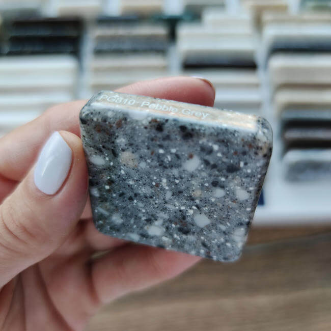 Камень Staron Pebble Grey PG-810