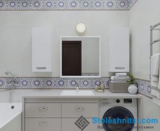 Светлая столешница для большой ванной комнаты