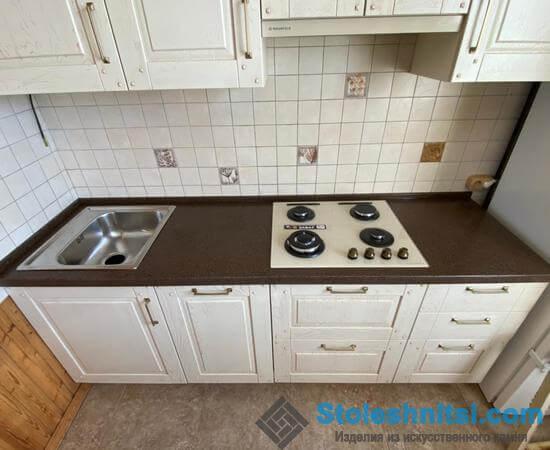 Столешница в кухне: полифункциональный элемент классического и ультрасовременного интерьера