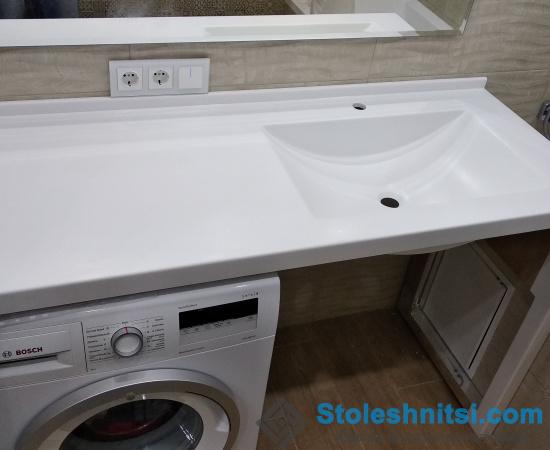 Белая столешница для ванной из камня Staron Quazar White