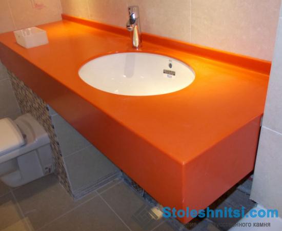 Оранжевая столешница из искусственного камня Staron SC052
